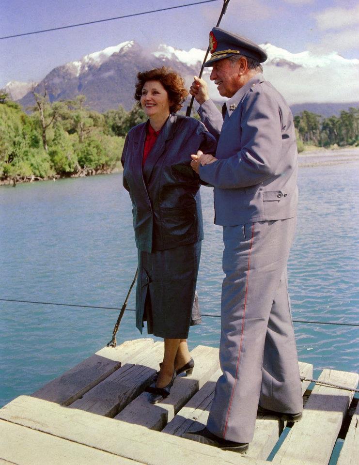 presidente augusto pinochet y señora