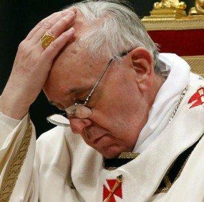 papa francisco molesto