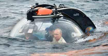 vladimir-putin-submarino-crimea