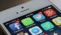 celular-telefono-facebook-twitter-whatsapp