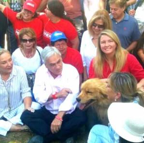 Catalina-Del-Real-Sebastian-Piñera-Perro-Jack