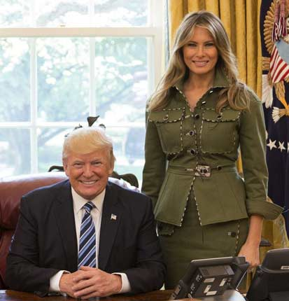Donald_and_Melania_Trump_in_the_Oval_Office