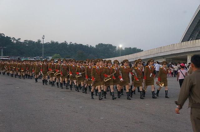 corea-del-norte-desfile-militar-mujeres